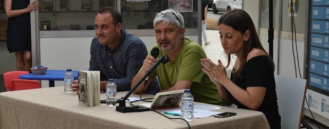 Fotografía do blo Libros  Lectureka, presentación de «Contos nerviosos» en Vigo.